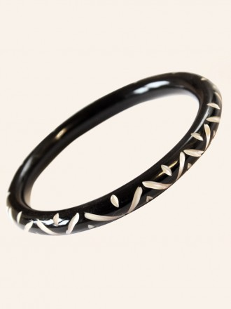 VivienofHolloway_Black Narrow Carved Bangle