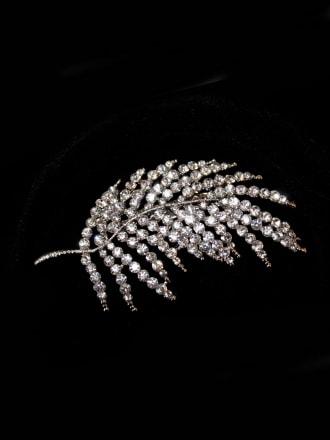 Diamante Leaf Brooch