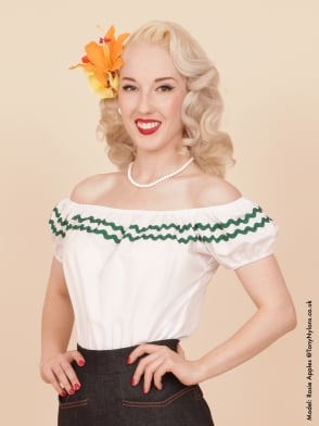 Gypsy Top Classic White Green Trim