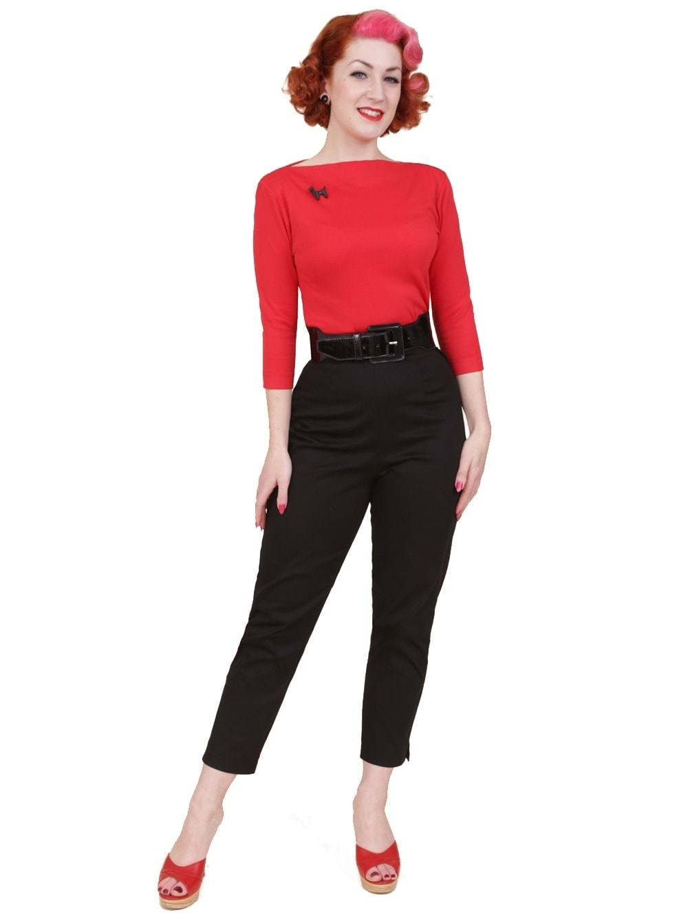 I ordered the white top pictured with the pedal pushers on the Dillards website, but the cut was baggy and unflattering on me, and I didn't love the material. I don't feel it's worth the price, honestly, so I pulled this black top out of my closet instead.